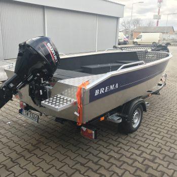 łodzie z silnikiem