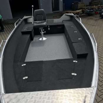 środek łodzi z aluminium