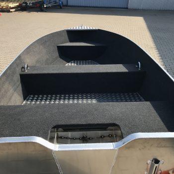 wykładzina w łodzi aluminiowej
