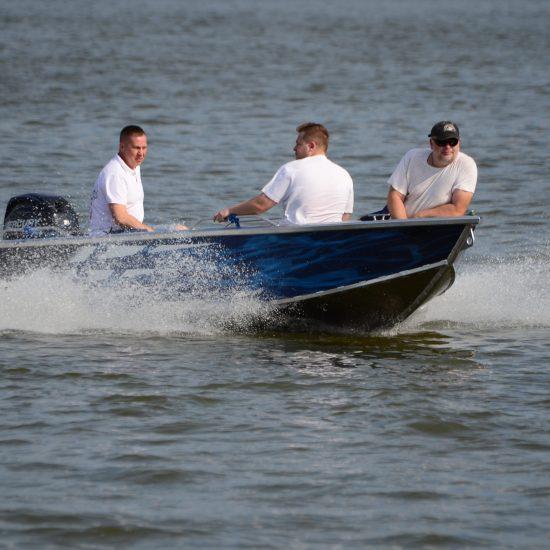 łódź z silnikiem aluminiowa